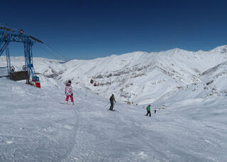 Why do people choose Iran for skiing h