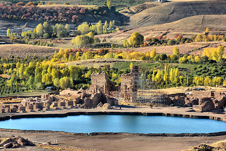 Lake in Takht-e Soleyman (Throne of Solomon)