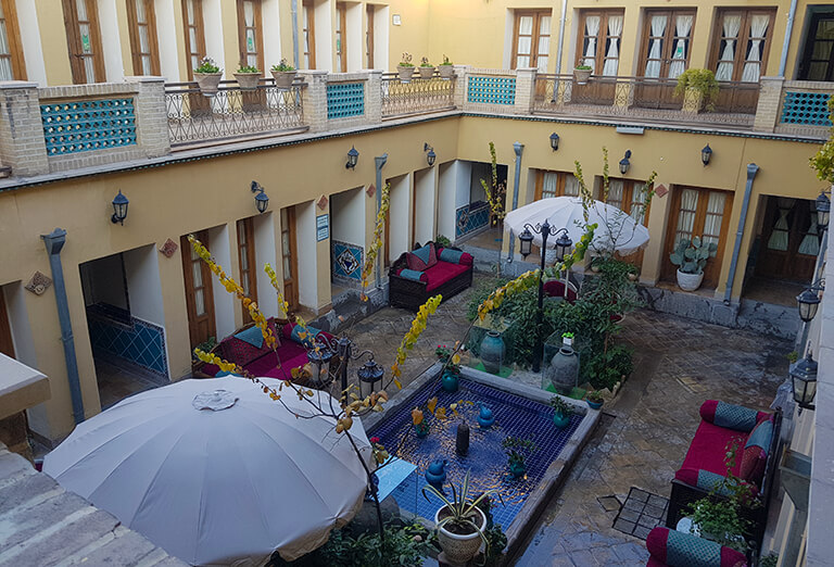 traditional hotels, houses in Iran - Toloue Khorshid traditional hotel in Isfahan